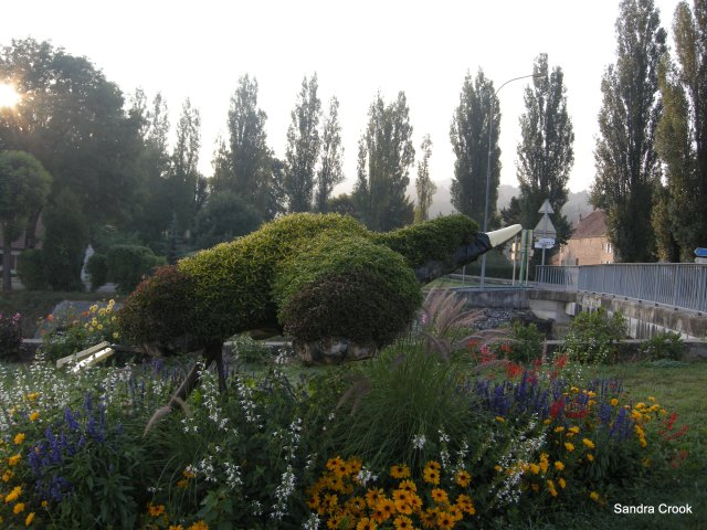 In case you were wondering, it's a topiary duck...