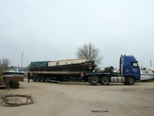 Desormais arrives at Joe Parfitt's boatyard at Laroche-Migennes on the river Yonne in France.
