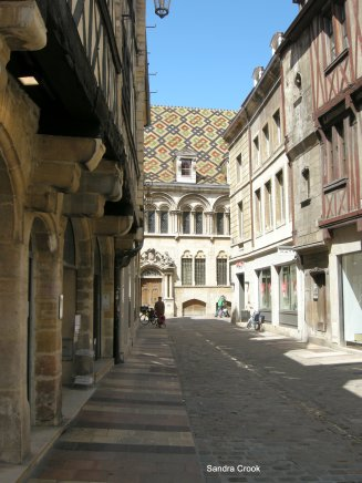 A quiet street in Dijon