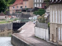 The lock dropping down onto the Yonne from the mooring basin
