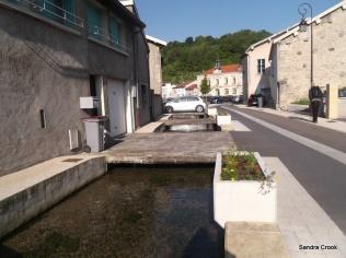 The stream running through Fains les Sources